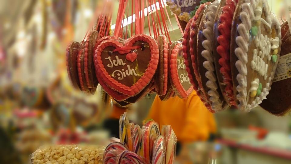 gingerbread-heart-499406960720.jpg